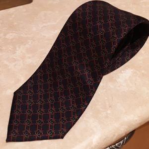 %100 silk Gucci tie